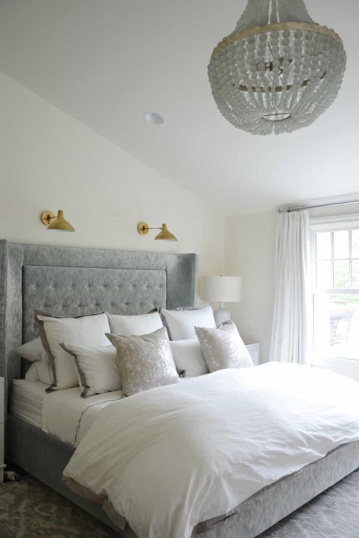Elegant bedroom by D2 Interieurs