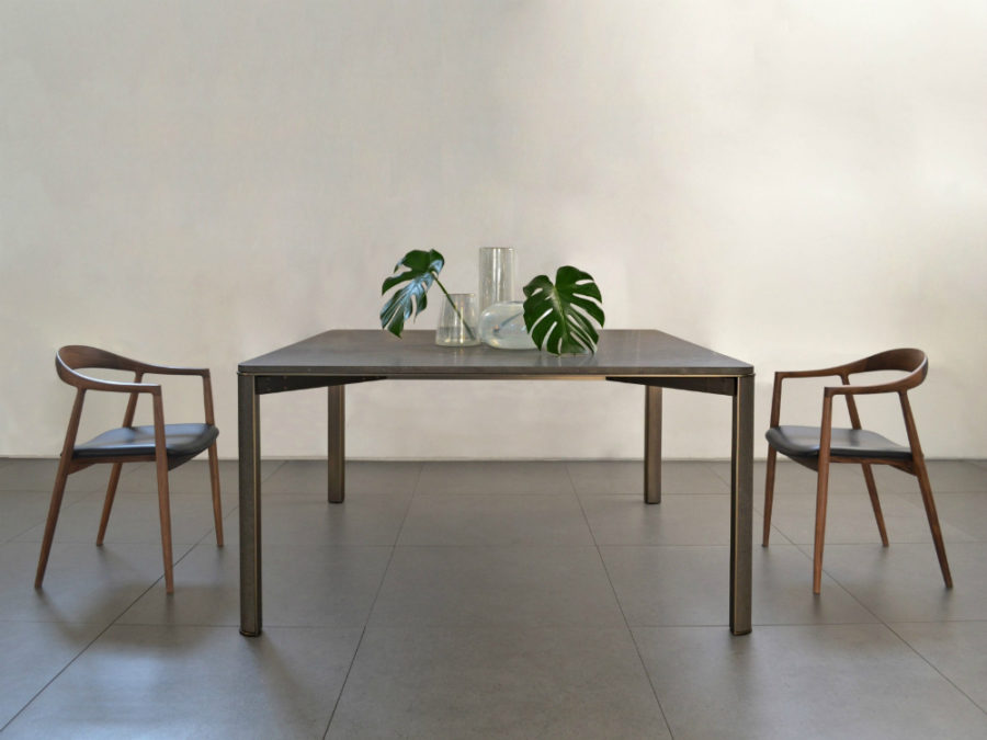 Perfect View in gallery Grigorio basalt table