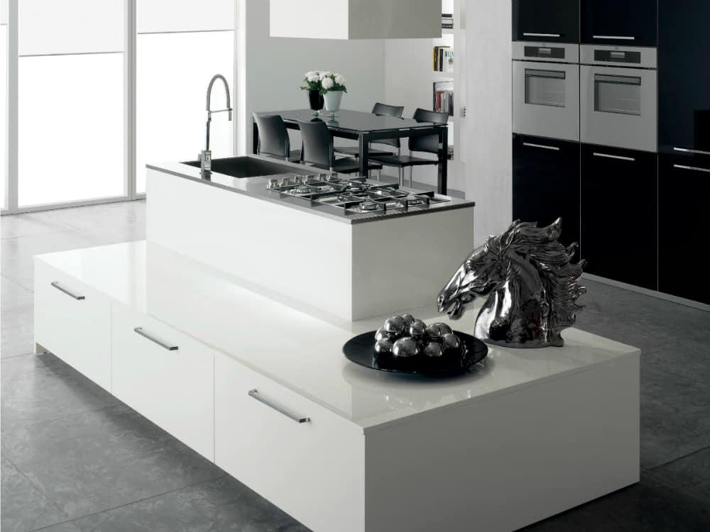 Layered kitchen island Nxos by Del Tongo