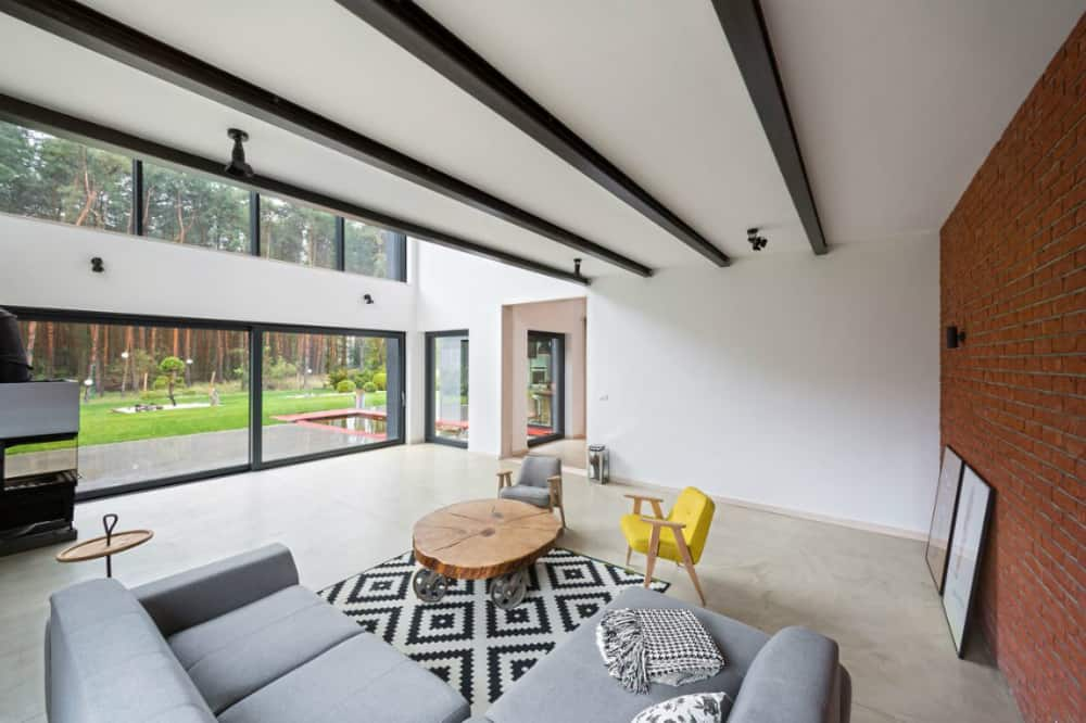 Living area ends with a patterned rug