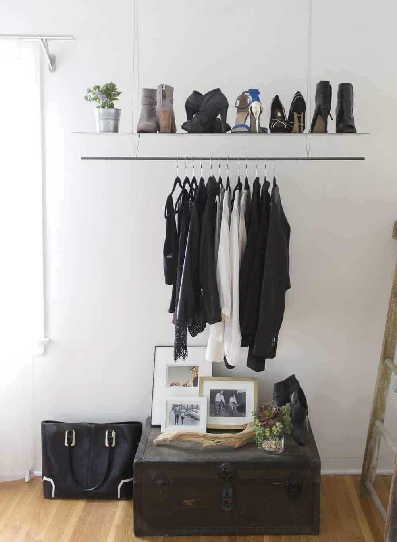 Minimal hanging clothes rack