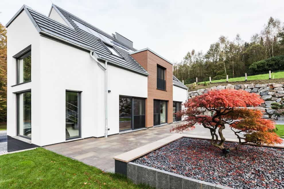 ONE!CONTACT reconstructed a house over the course of one year