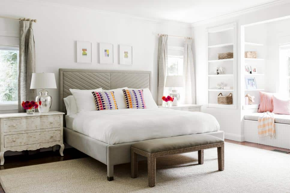 Pure elegance in a bedroom by Chango and Co.