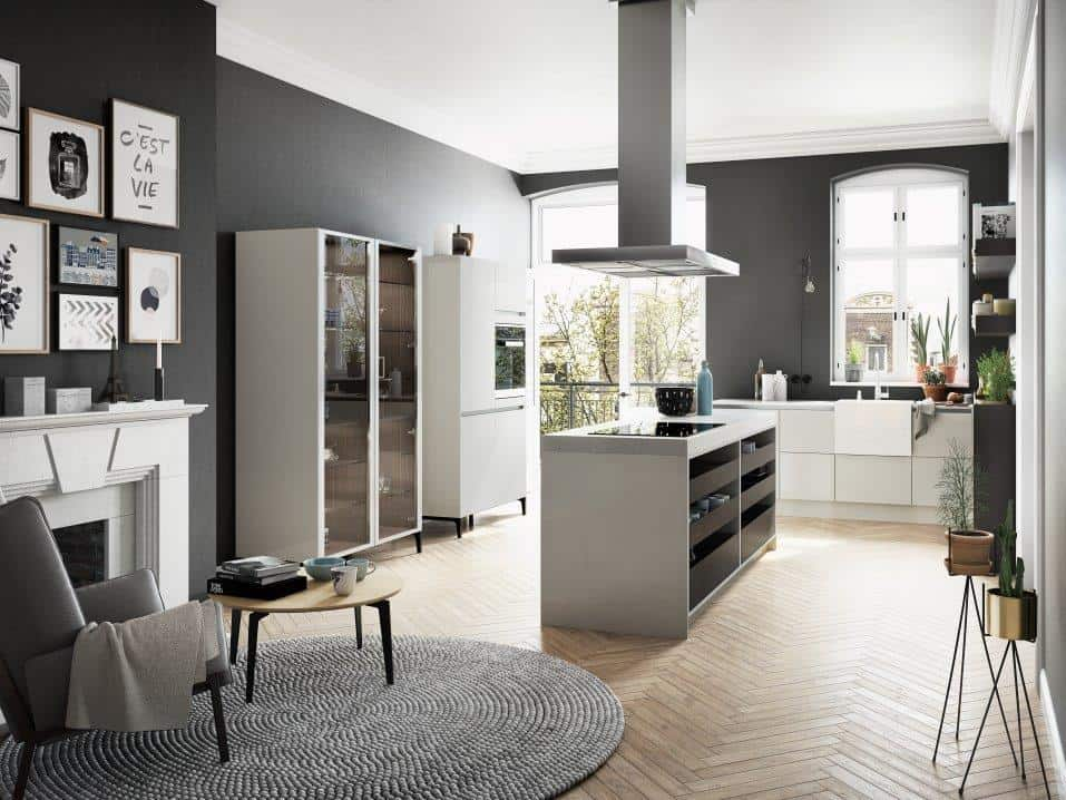 SieMatic Urban S2 SE kitchen with island and glass cupboard by SieMatic