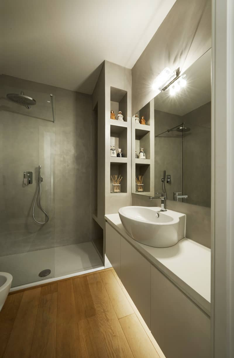 Another bath shows more ways to use concrete