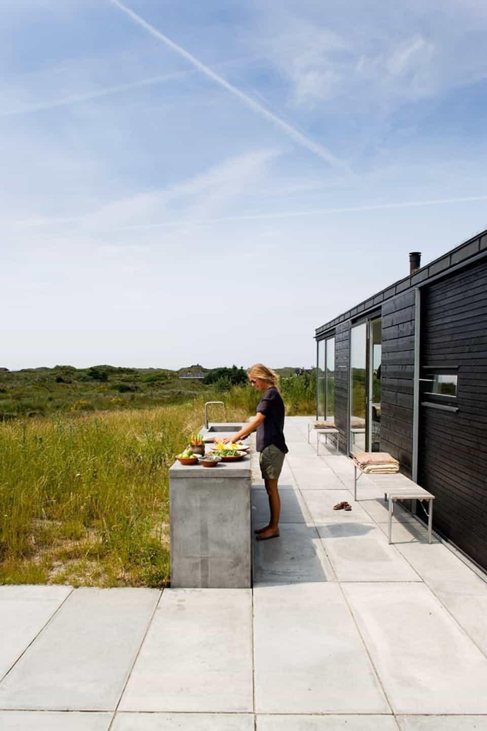 Beach house outdoor kitchen