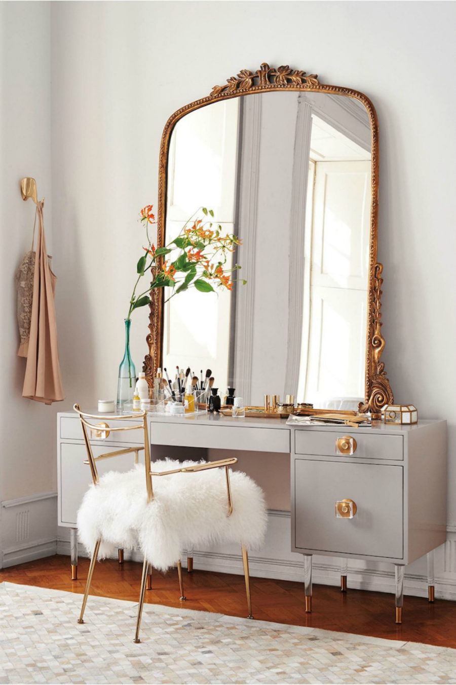 Fancy View in gallery Big mirror