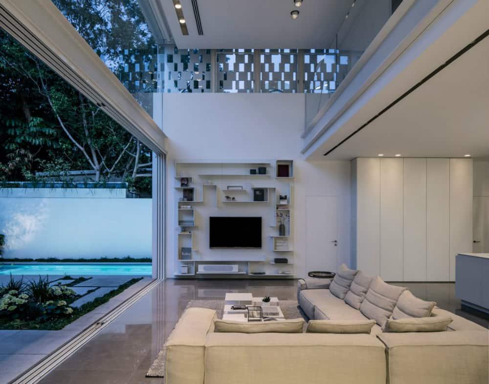 Contemporary residence by Pitsou Kedem Architects