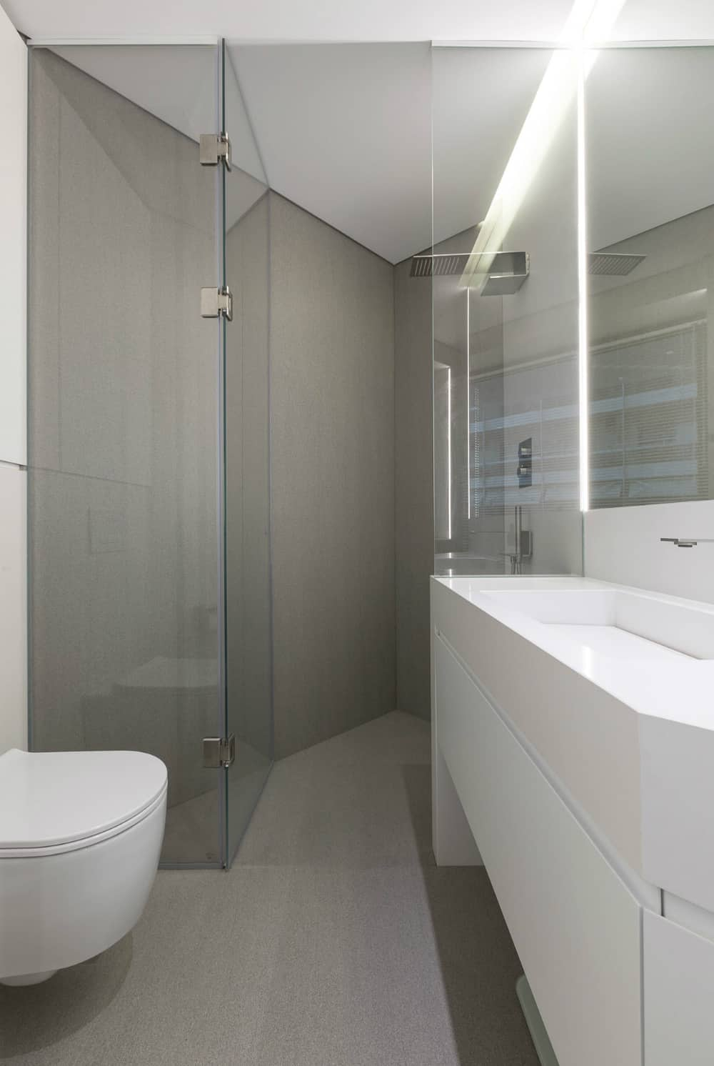 Corner shower stall allows effecient use of square feet