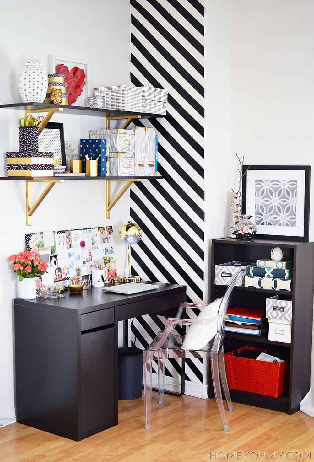 Dynamic desk area
