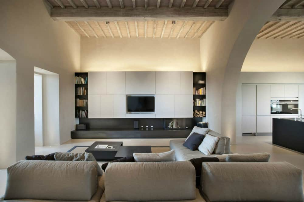 Fifteenth-century villa remodel by CMTarchitects