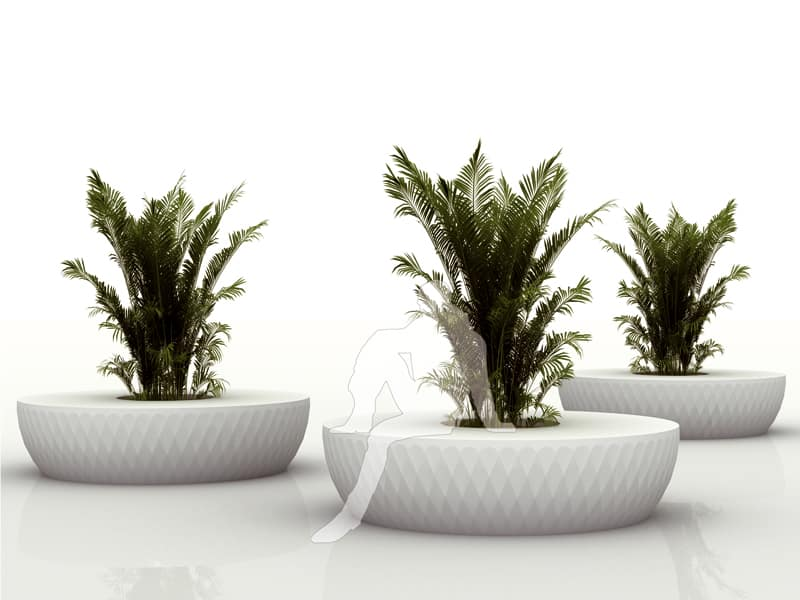 Isla bench and planter by Vondom