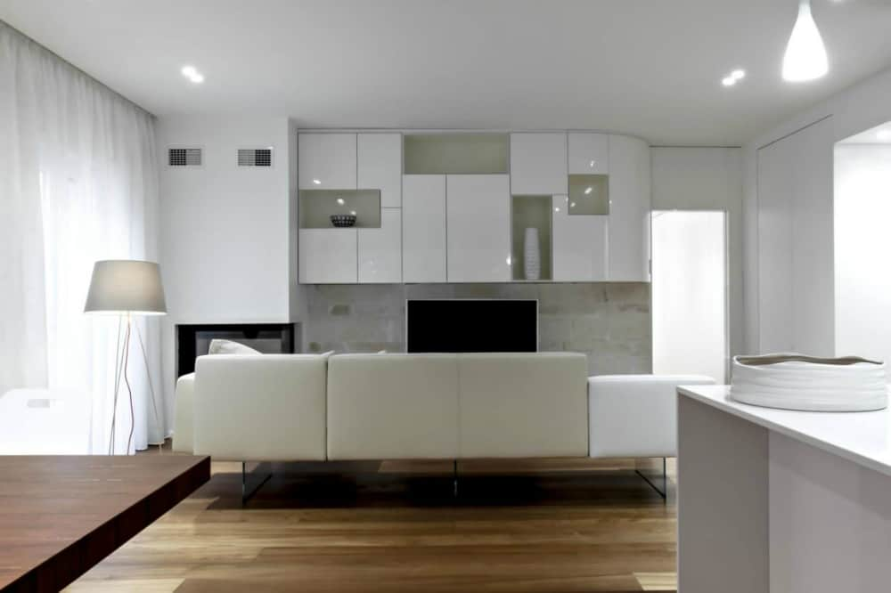 Minimal apartment by M12 architettura