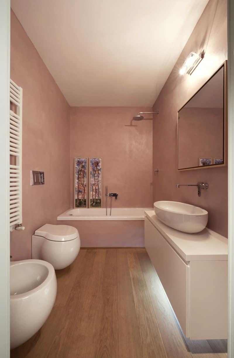 Pale pink bathroom looks pleasantly feminine