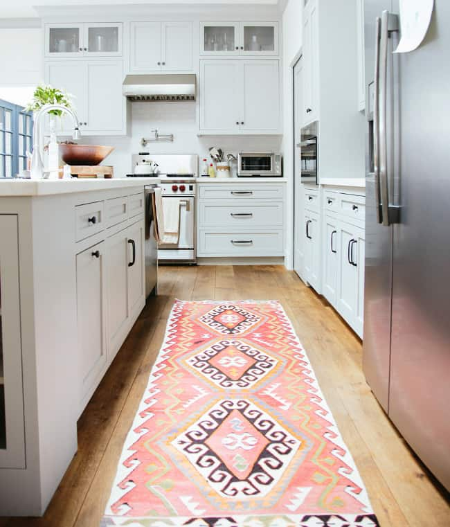 Genial Create Some Extra Comfort With These 40 Kitchen Rugs