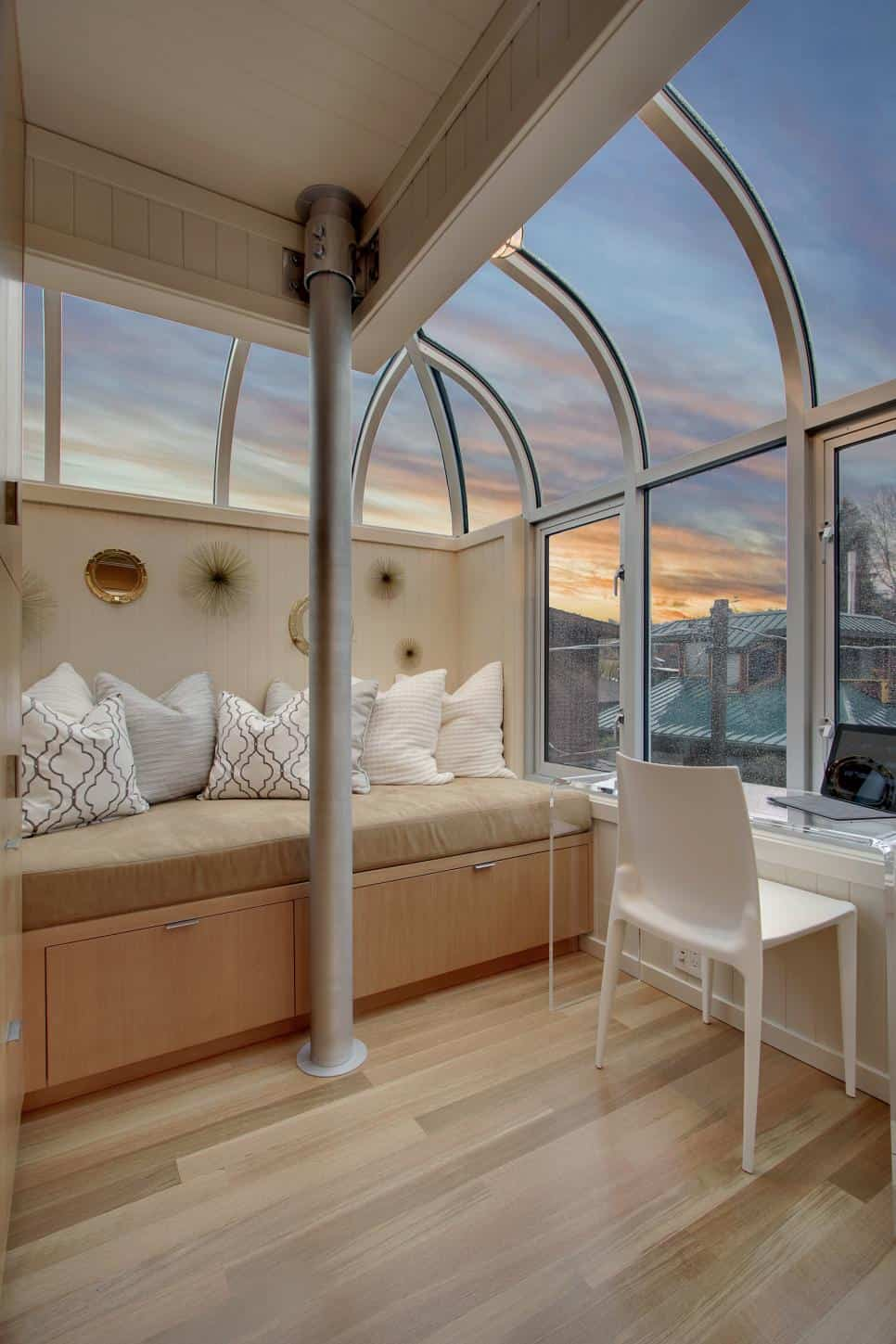 Seattle Houseboat – Leading Real Estate Companies of the World® and Windermere Real Estate