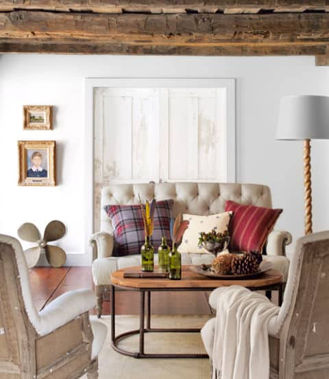 40 small room ideas to jumpstart your redecorating for Small country living room ideas
