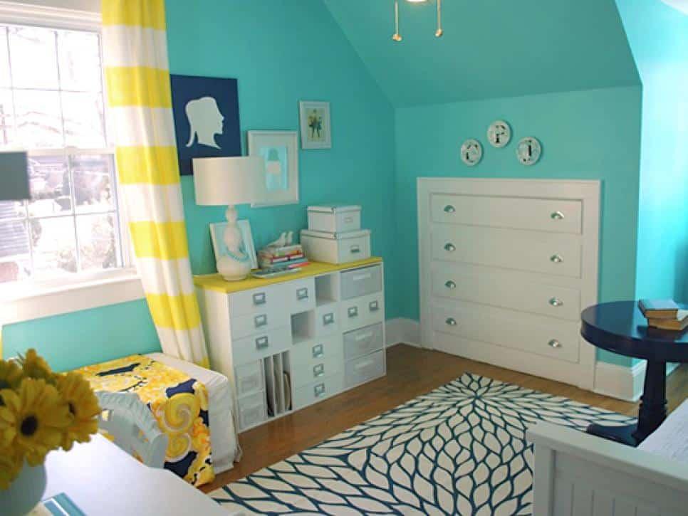 Small Bedroom Built In Dresser Storage Idea