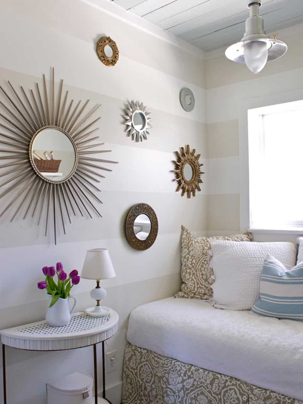 Small Bedroom With Mirrors Decor Idea