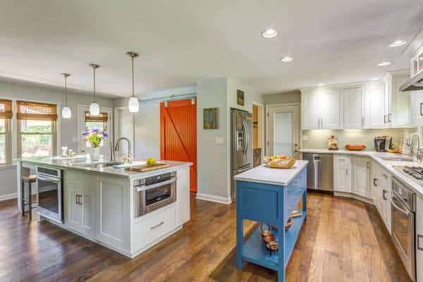 Bold farmstyle kitchen door