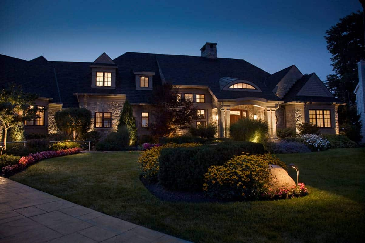 Change Outdoor Light Bulbs