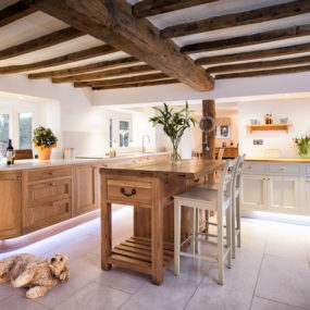 Large and open kitchen deign with wood ceiling beams 285x285 Country Modern: Is This the Right Style for You?