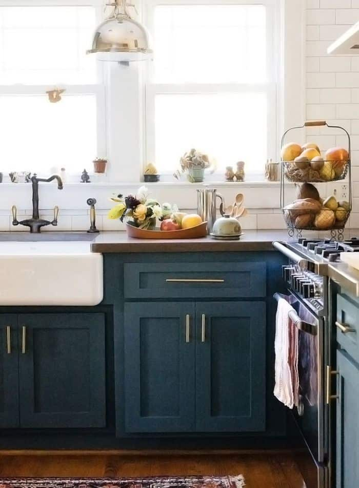 40 colorful kitchen cabinets to add a spark to your home for Navy blue kitchen cabinets