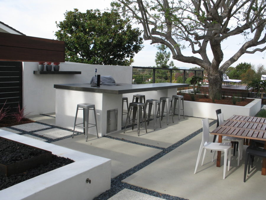 20 modern outdoor bar ideas to entertain with. Black Bedroom Furniture Sets. Home Design Ideas