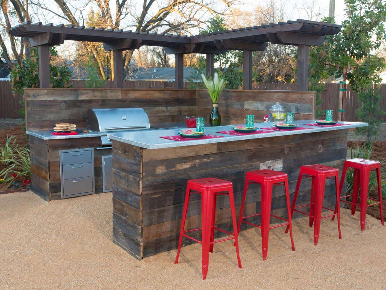 Charmant 20 Modern Outdoor Bar Ideas To Entertain With!
