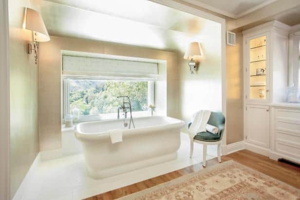 Soaking Bathtub in Vintage Style Bathroom