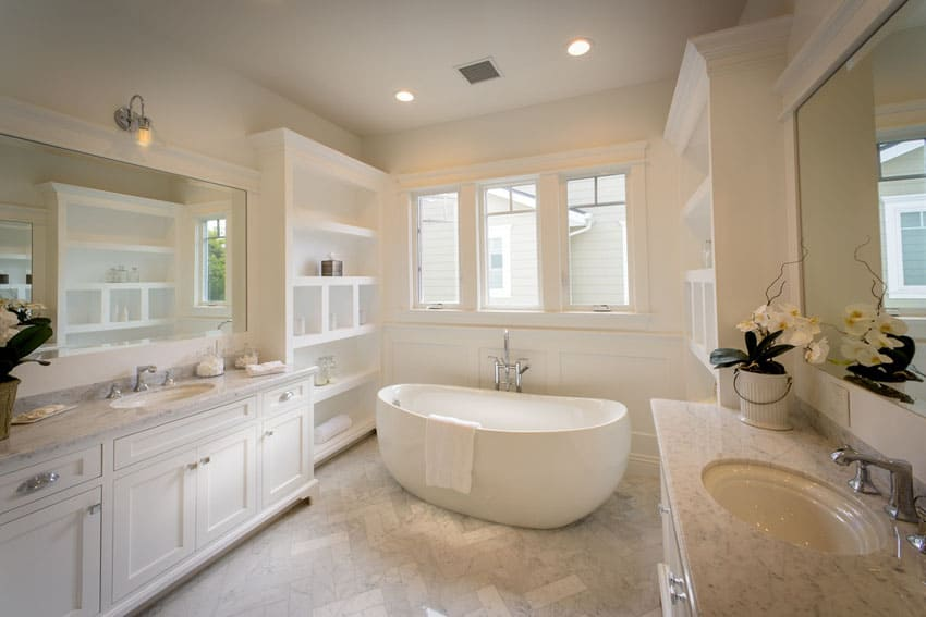Soaking Tub in Crisp Traditional Bathroom