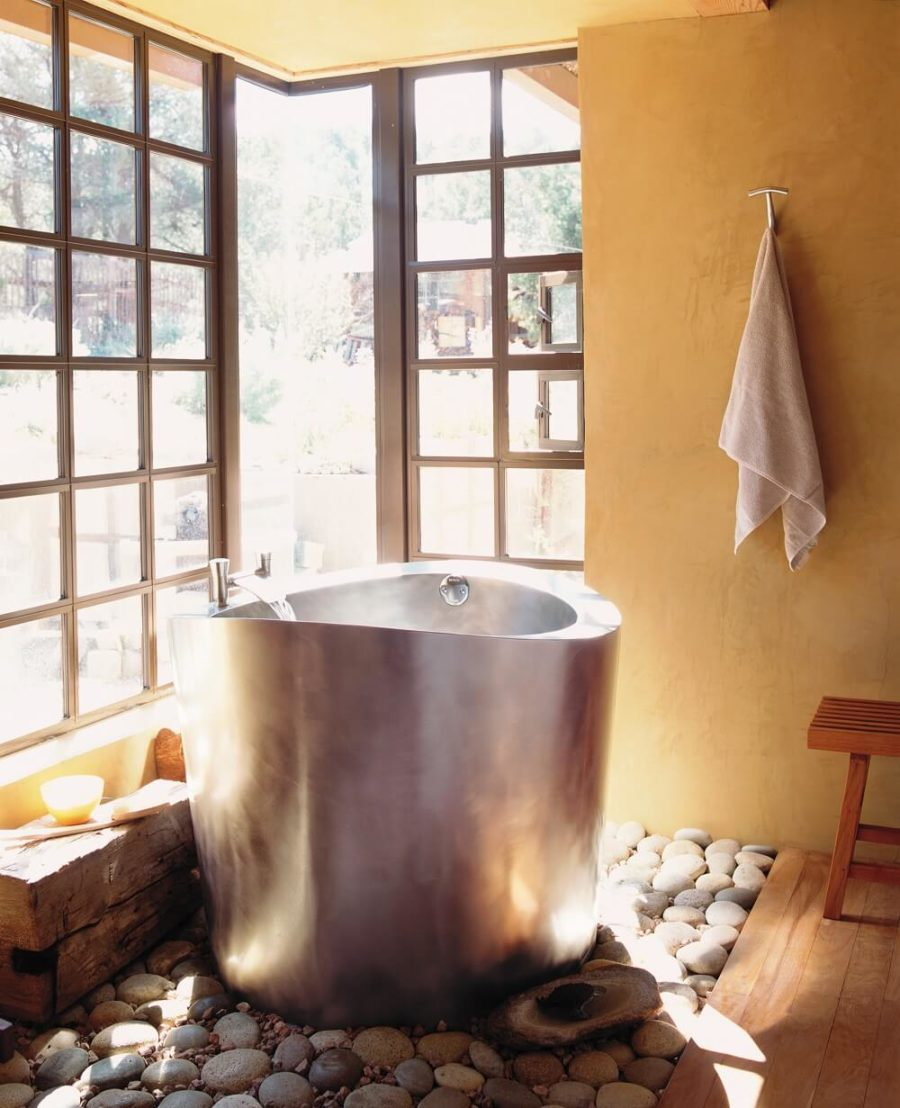 19 Japanese Soaking Tubs That Bring The Ultimate Comfort