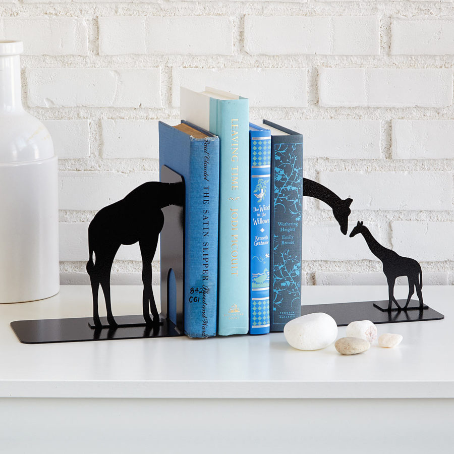 giraffe black bookends 900x900 20 Unique Bookends For Yourself Or Your Bestie
