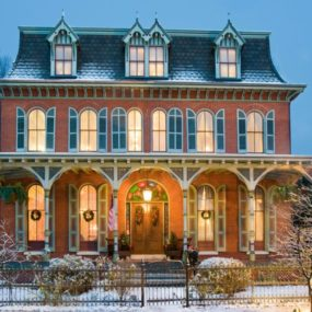 18 Victorian Homes to Make You Swoon