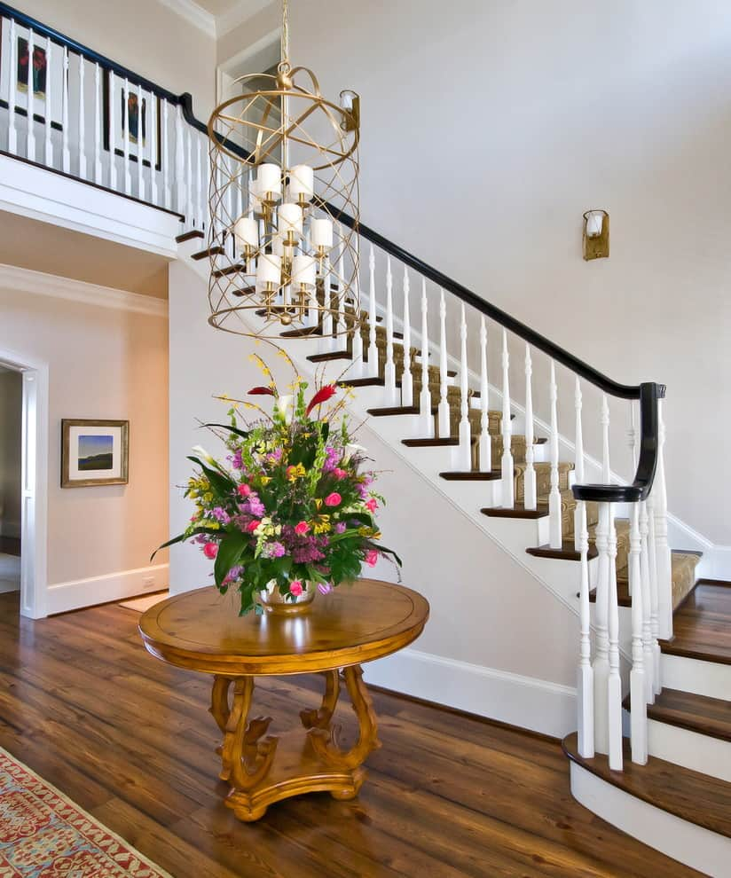 Amazing-Brass-Antique-Chandelier-Decorating-Ideas-Images-in-Staircase-Traditional-design-ideas-