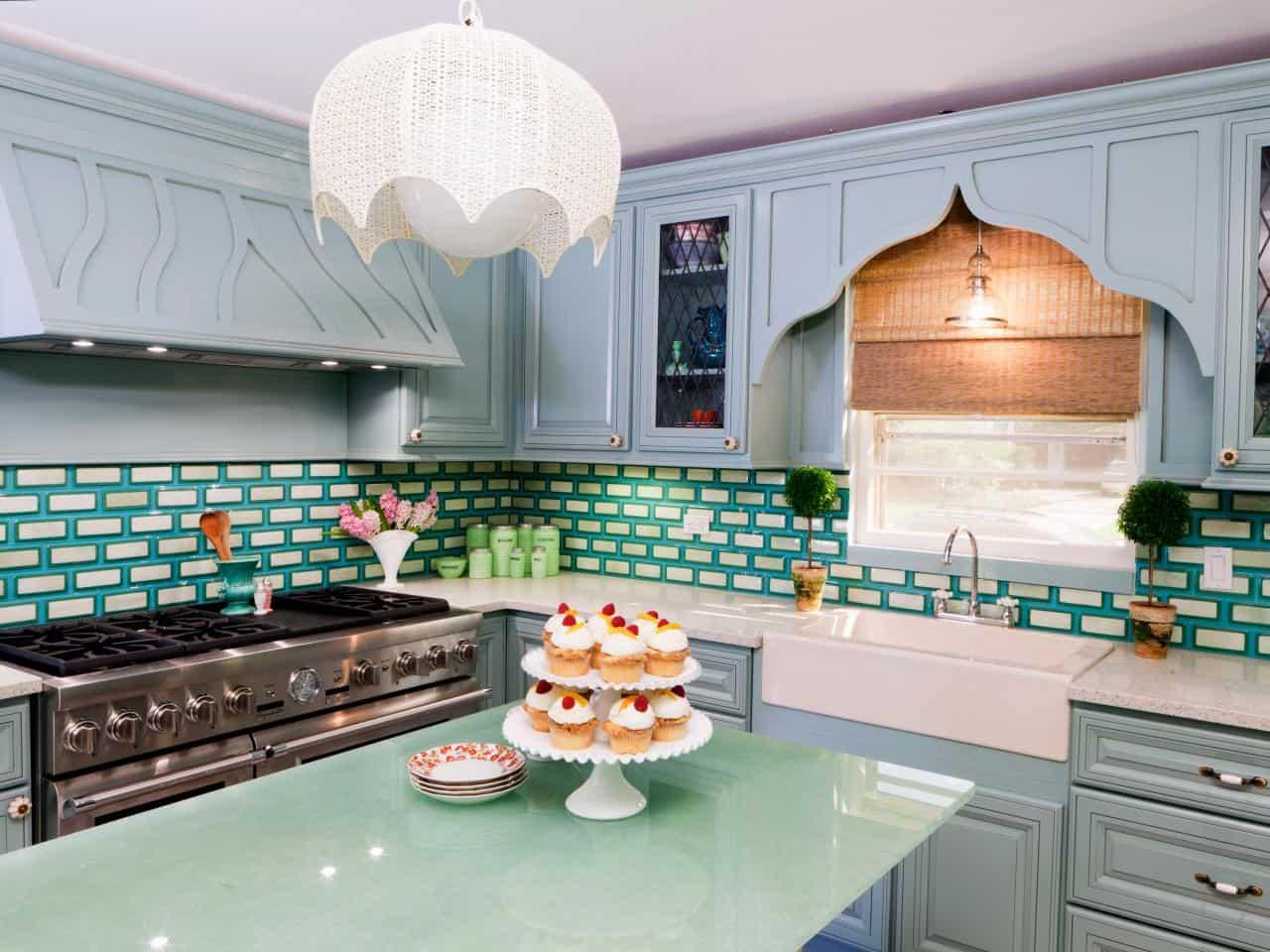 Colorful kitchen backplash tiles