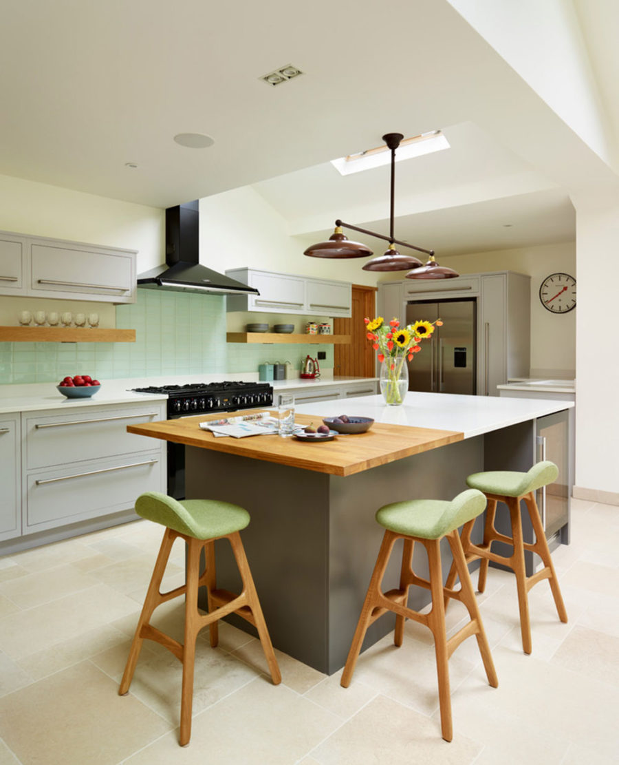 15 kitchen islands with seating for your family home - Modern kitchen with island ...
