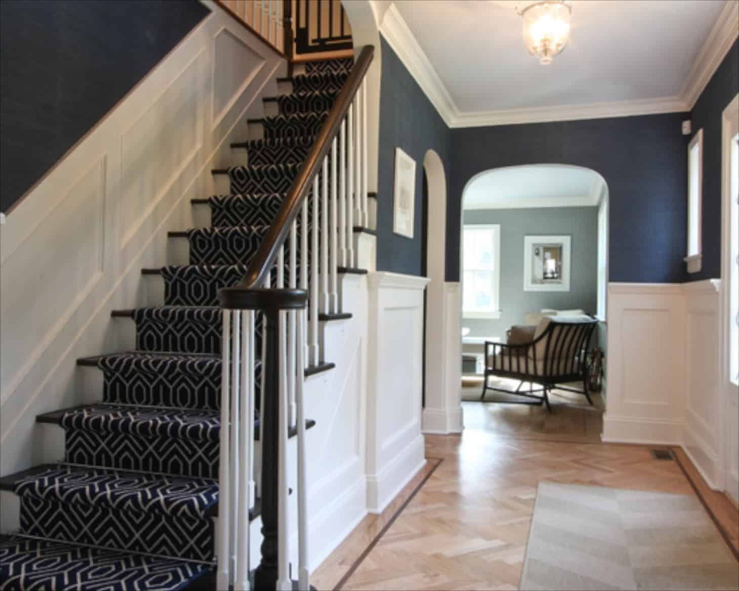 <em></noscript>Patterned stairs add a sense of flare to any home as they're visually appealing.</em>