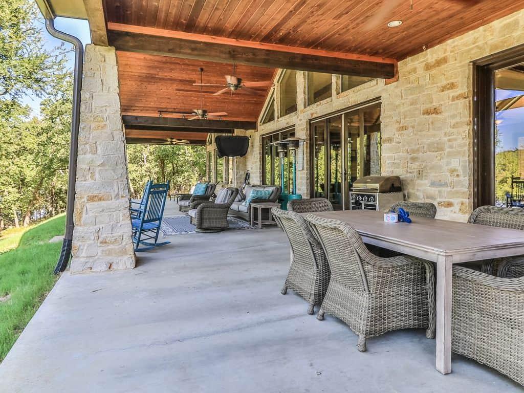 easy family back porch idea