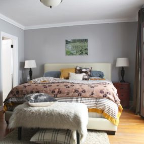 gray eclectic bedroom 285x285 40 Gray Bedrooms Youll Be Dreaming About Tonight