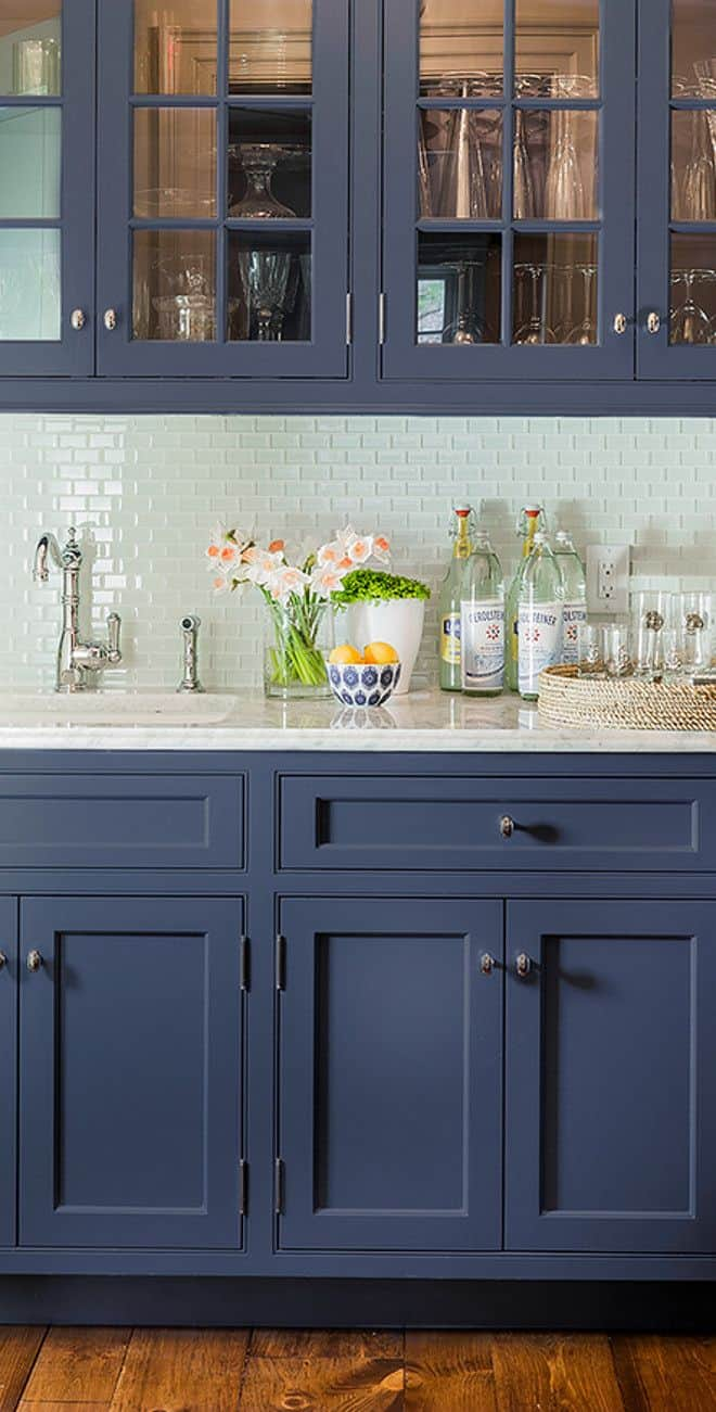 15 Glass Backsplash Ideas To Spark Your Renovation Ideas
