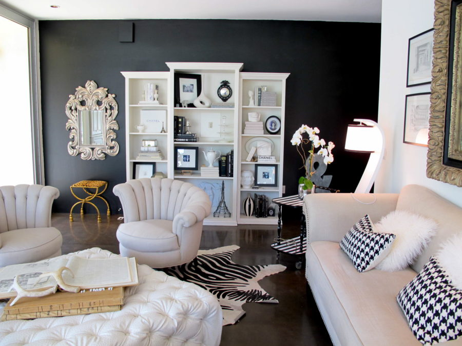 Adding black and white accents 900x675 How to Pull off All the 2017 Trends You Have Read About