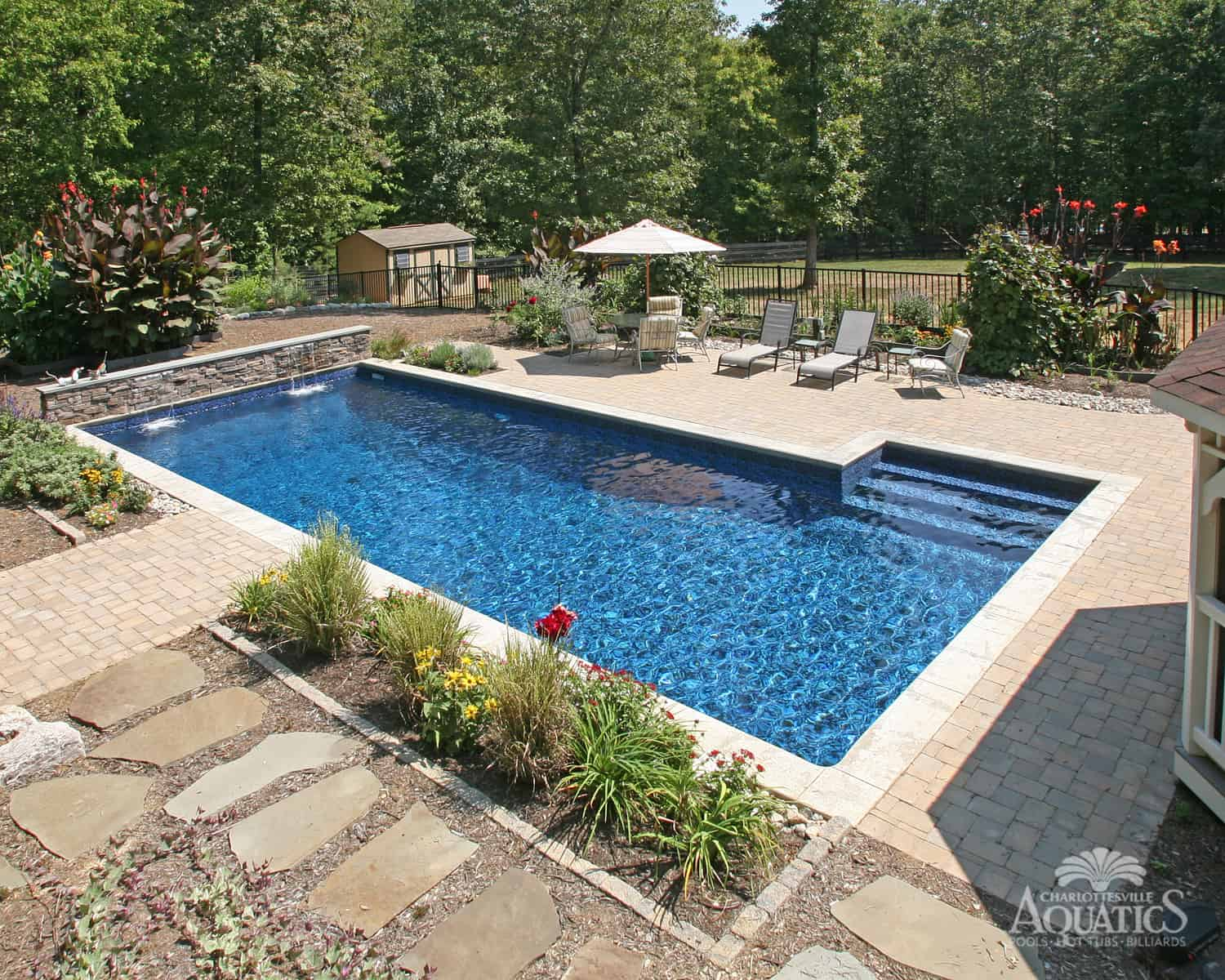 L-shaped inground pool design