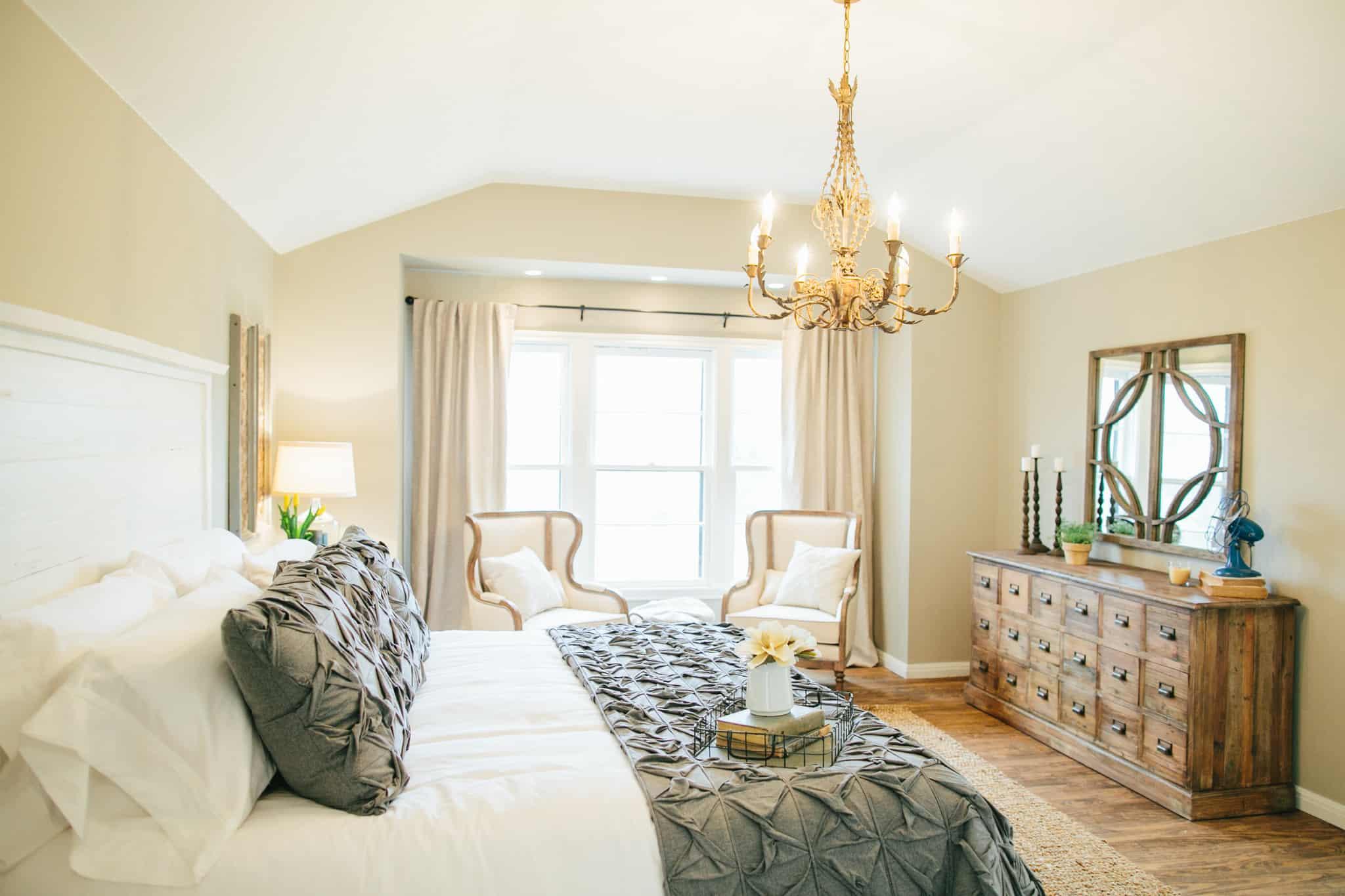 gold vintage bedroom chandelier