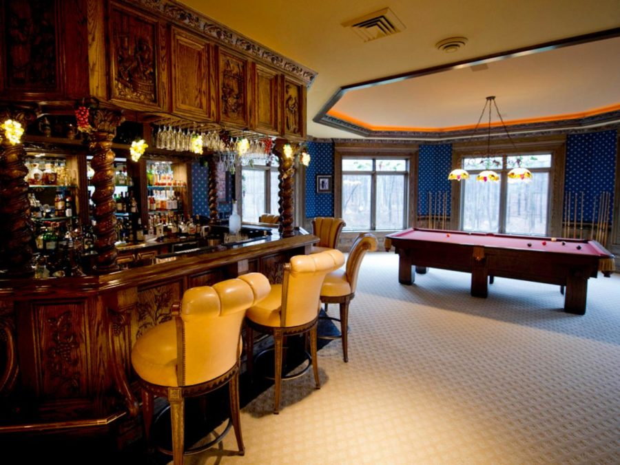 grandiose basement bar design 900x675 These 15 Basement Bar Ideas Are Perfect For the Man Cave