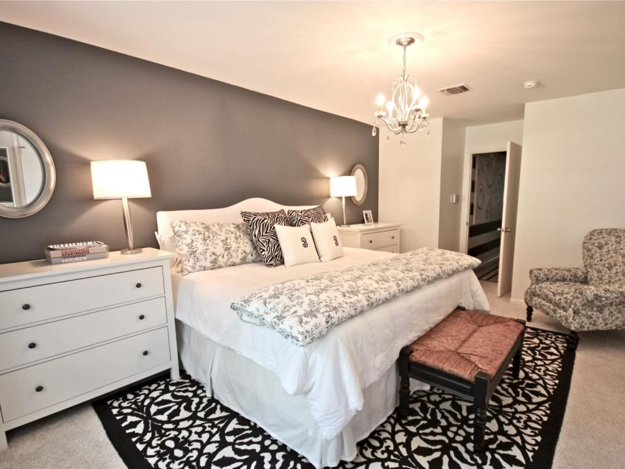 view in gallery - Bedroom Chandelier