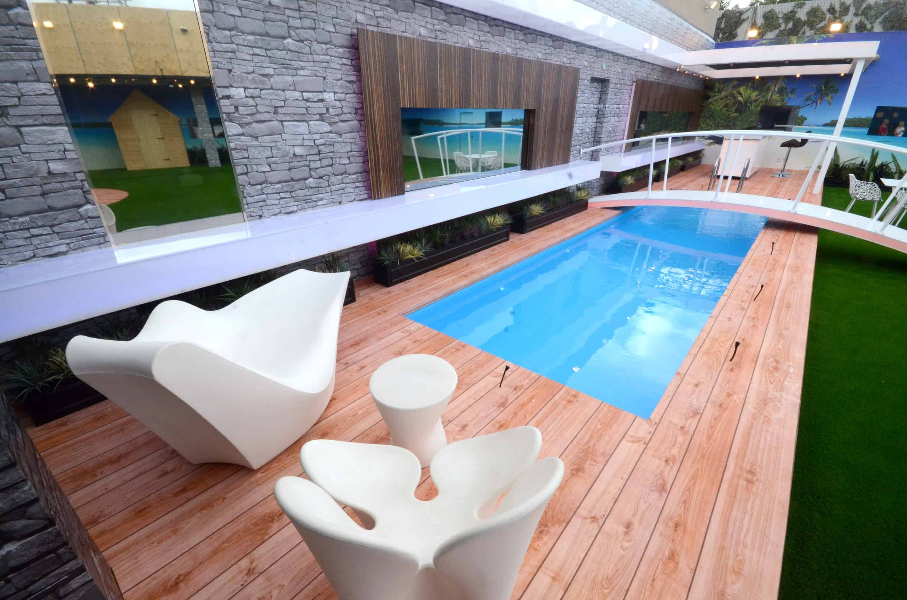 Swimming pool trends for the ultimate staycation right at home for Pool design trends 2017