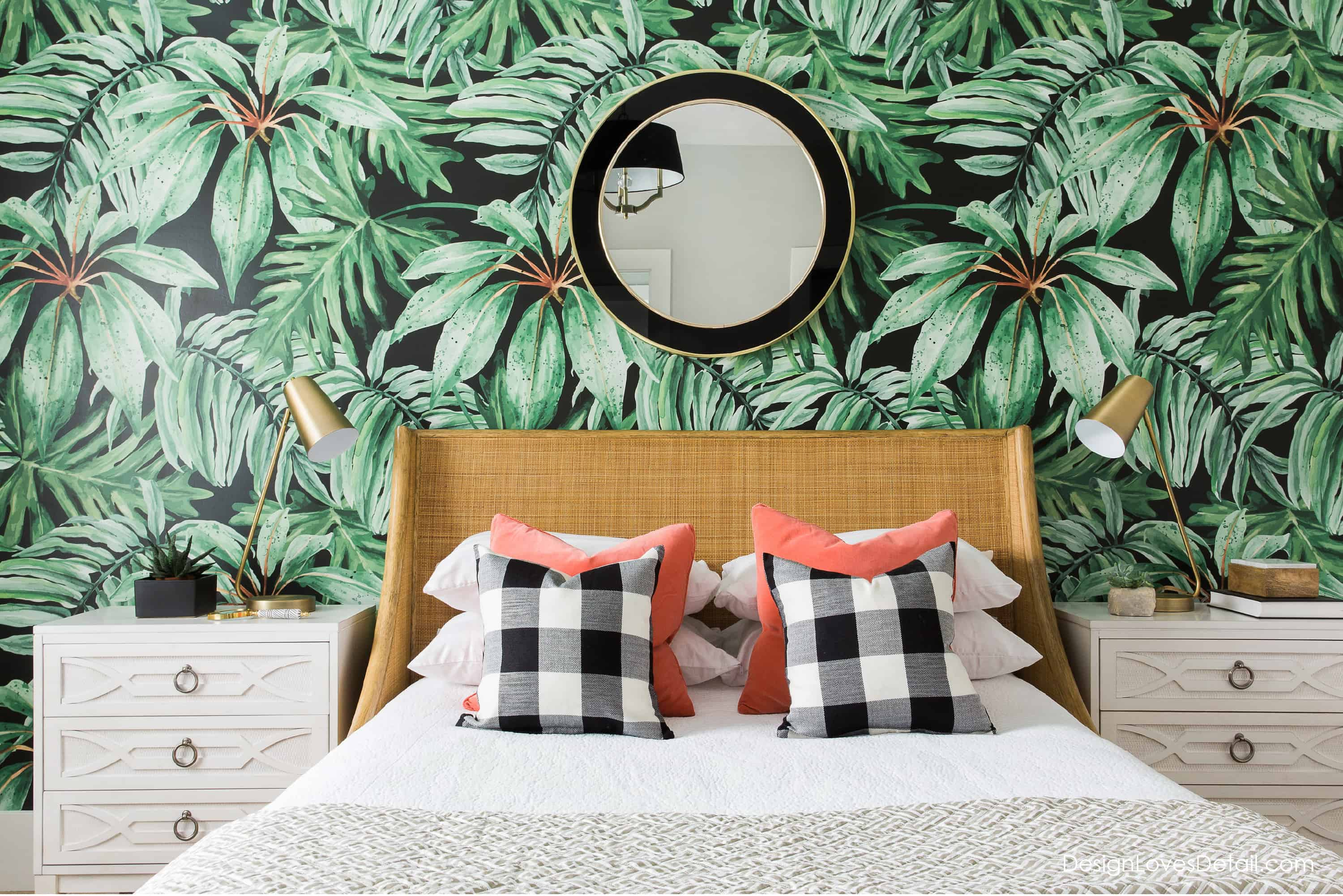 There is something very festive and fun about having a tropical wallpaper in your home
