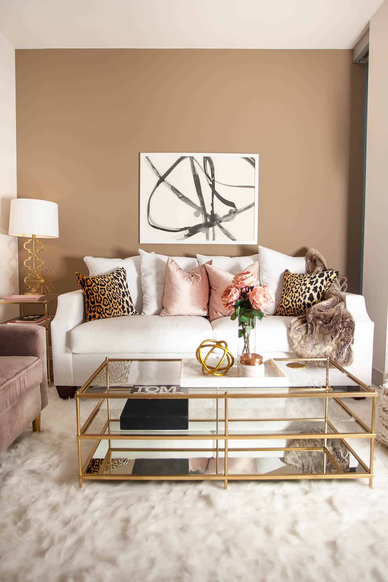 When in pink choose dusty pink. Dusty pink is one of the most versatile colors you can incorporate in your home.