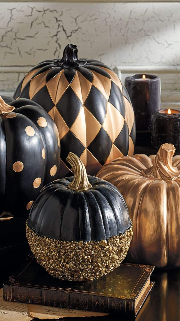 You truly cannot go wrong with black and gold decor